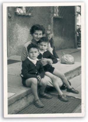 """Résultat de recherche d'images pour """"photos de l'enfance de Simone Veil"""""""